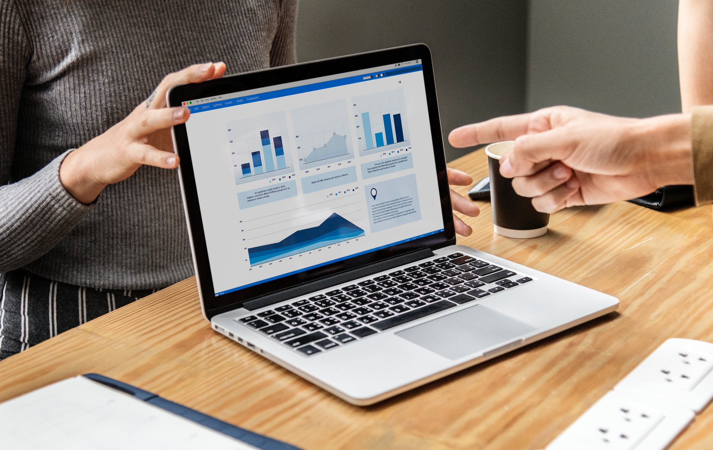 動画広告の効果測定方法