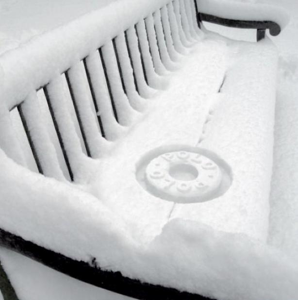 ベンチの積雪でPolo Mintsを作成