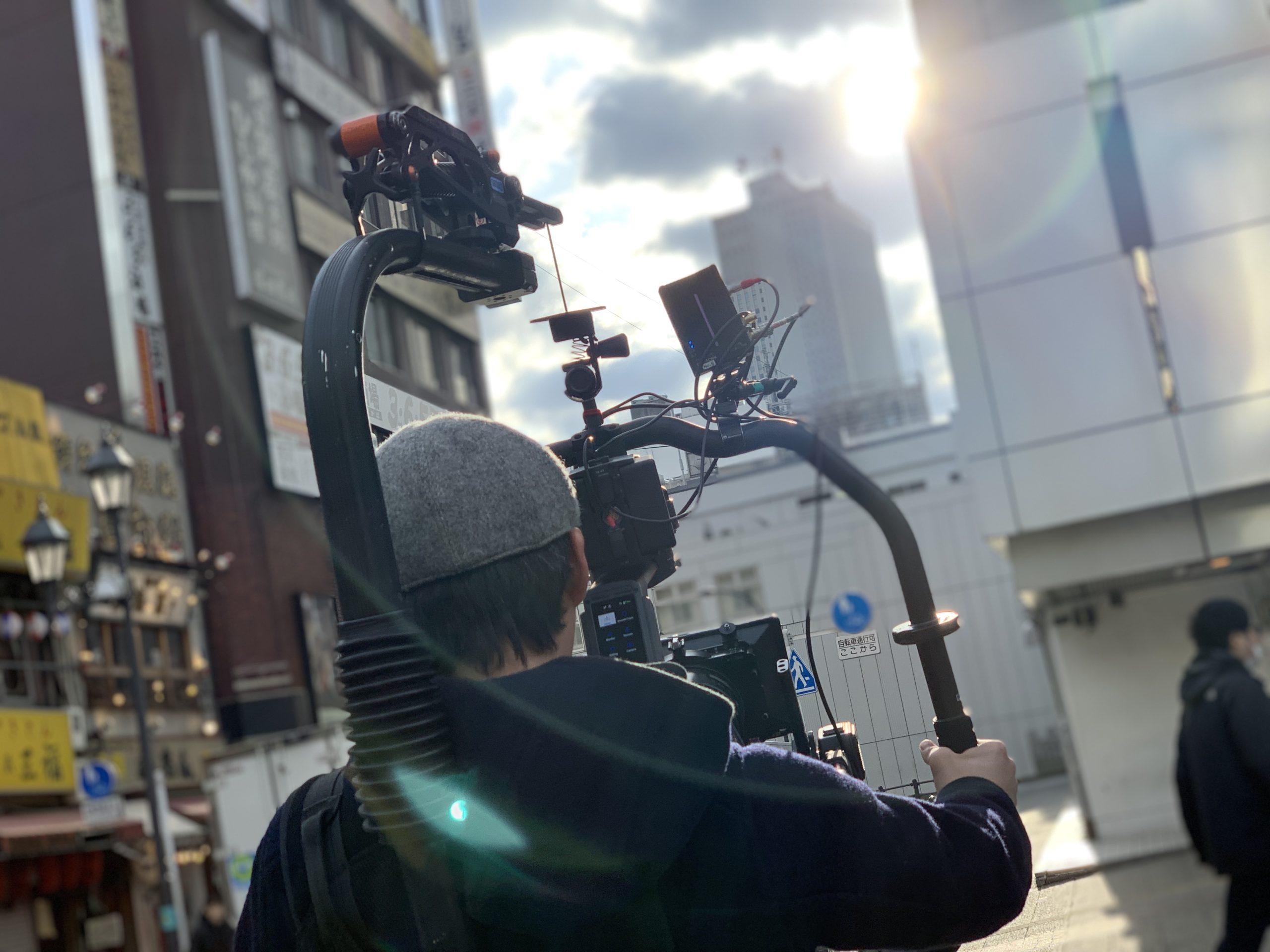 プロのカメラマンが撮影する様子