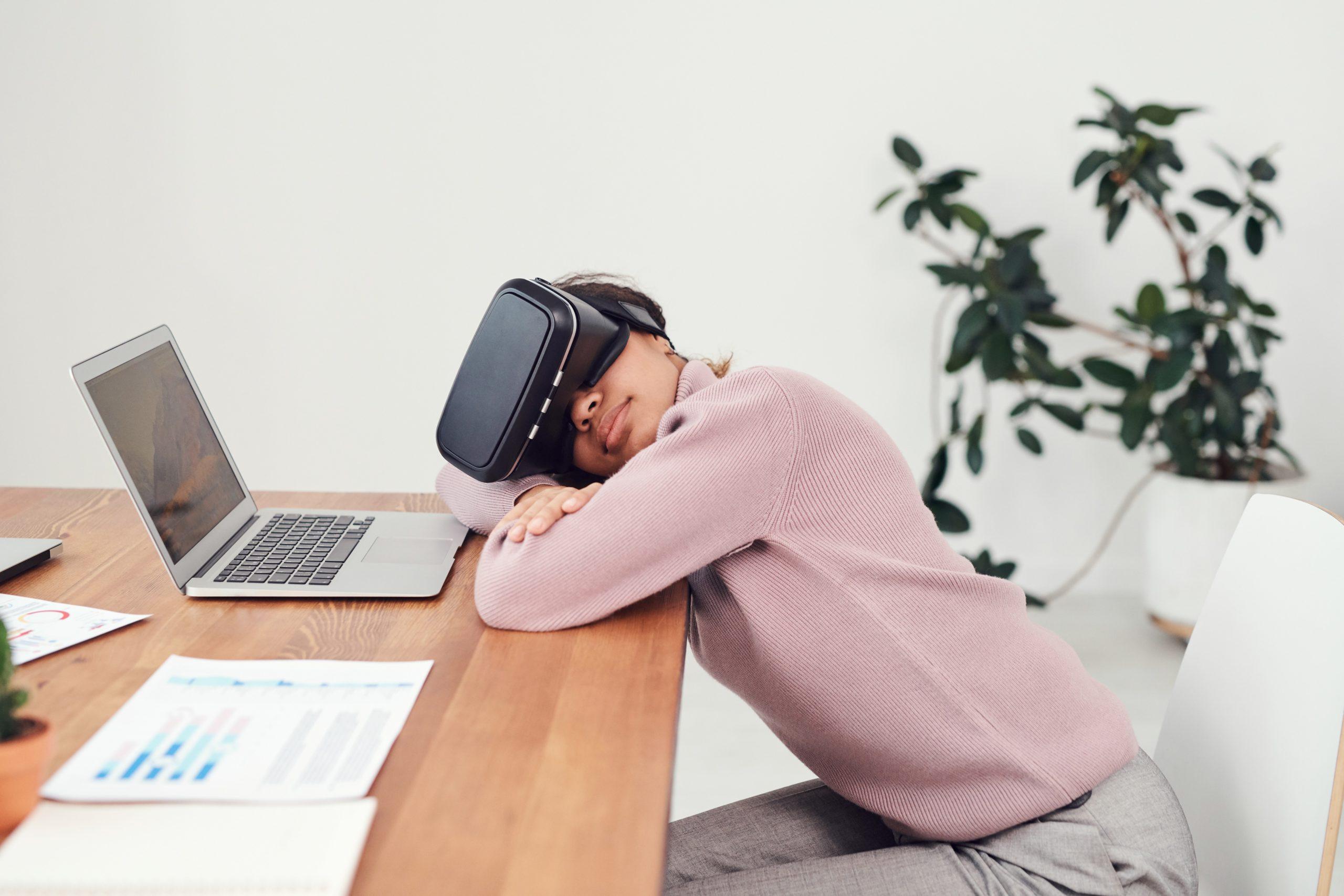 VR動画のビジネスへの活用法