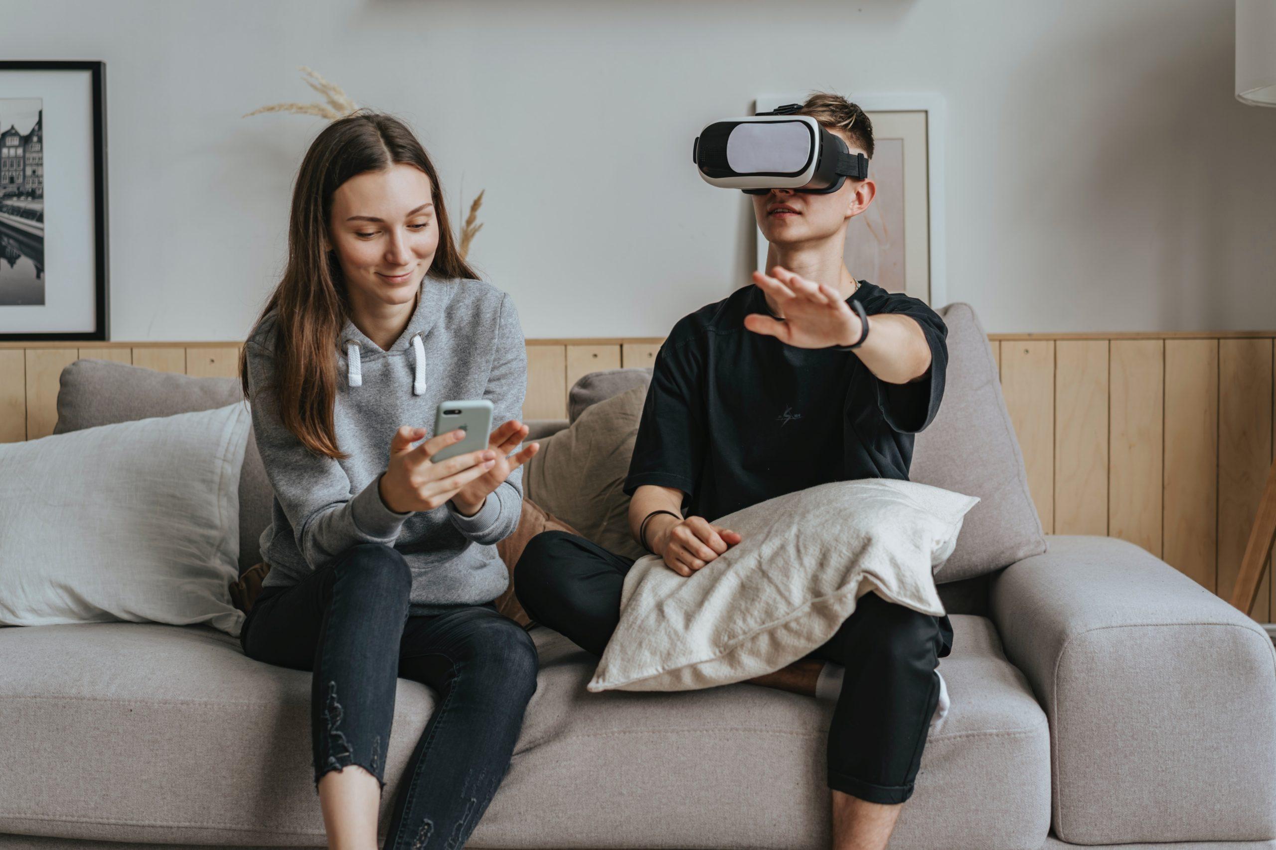 VR動画と似ているものとの違い