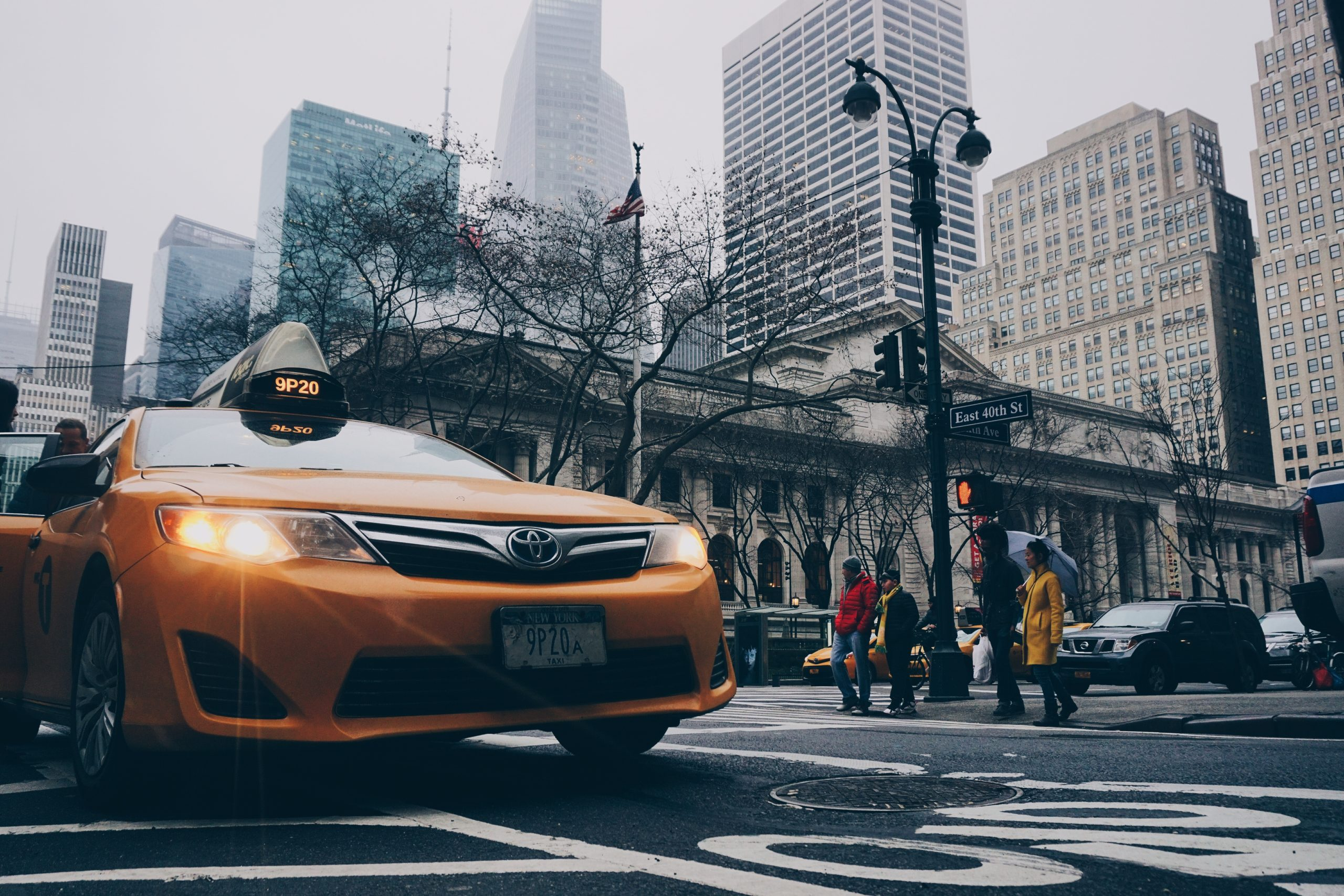 タクシー動画広告の会社の選び方