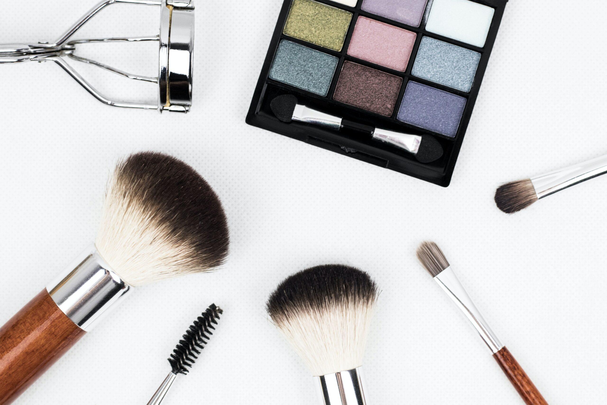 企業による化粧品の動画マーケティング事例